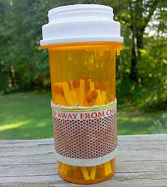 Reuse those empty prescription pill bottles in all sorts of ways. From organizing to making cookies. See how to use your empty pill bottles! Empty Medicine Bottles, Reuse Pill Bottles, Medicine Bottle Crafts, Pill Bottle Crafts, Empty Bottles, Recycled Bottles, Plastic Bottles, Plastic Containers, Storage Containers