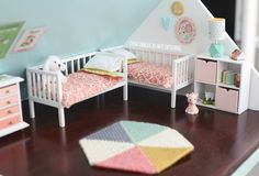 DIY dollhouse: the girls bedroom and nursery Barbie Doll House, Barbie Toys, Barbie Clothes, Diy Barbie Furniture, Diy Dollhouse Furniture Easy, Doll House Plans, Doll Crafts, Girls Bedroom, Nursery