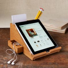 Stationary Tablet Stands Bamboo iPad Station - Using your iPad as a fully functional workplace has never been easier than with the Bamboo iPad Station. The tablet holder makes it completely comf. Tablet Holder, Tablet Stand, Ipad Holder, Laptop Stand, Wood Projects, Woodworking Projects, Projects To Try, Woodworking Skills, Woodworking Wood