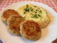 Rybí karbenátky Fish Recipes, Family Meals, Mashed Potatoes, Food And Drink, Eggs, Cooking, Breakfast, Ethnic Recipes, Fish Food