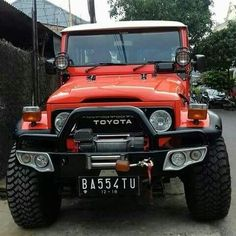 Such a beauty Toyota Cruiser Toyota Autos, Toyota Fj40, Toyota Trucks, Toyota Cruiser, Fj Cruiser, Tacoma Truck, Jeep Truck, Daihatsu, Carros Off Road