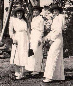 Anastasia, Olga and Tatiana Romanov, 1914