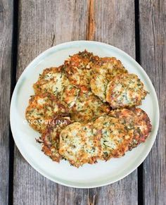 Greek zucchini biscuits with feta cheese Turkish Recipes, Greek Recipes, Feta, Healthy Cooking, Cooking Recipes, Tapas, Vegetarian Recipes, Healthy Recipes, Buffet