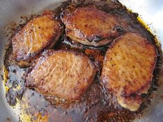 glazed pork chops (brown sugar, cayenne pepper, garlic powder, paprika, salt and pepper) Pork Chop Recipes, Meat Recipes, Cooking Recipes, Healthy Recipes, Cooking Shop, Cooking Bacon, Oven Cooking, Spicy Recipes, Cooking Classes