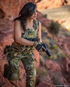 Guns Weapons ❤️️Girls 💋::: sexy girls hot babes with guns beautiful women weapons Mädchen In Uniform, Military Girl, Female Soldier, Military Women, Warrior Girl, Girls Uniforms, N Girls, Badass Women, Country Girls