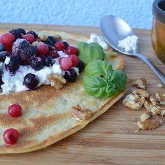 #pancake #foodporn #foodlovesme #recipeideas #cinnamonapple! #haselnusspancake mit Beeren und Frischkäse 😍Rezept gibt's hier: https://cinnamon-apple.de/haselnuss-pancake-mit-beeren/