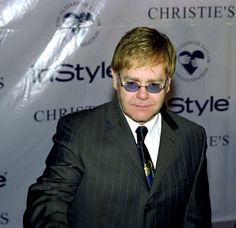 Image from http://images.starpulse.com/Photos/pv/Elton%20John-18.jpg.
