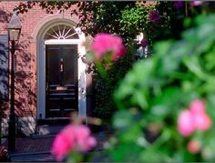 #Hike up Beacon Hill and be impressed with their charming streets, brick sidewalks and hidden houses. $35.00 #funsherpa