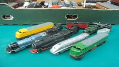 vintage diecast model trains made by lone star in the 70's called locos , these are solid metal very well made models http://eterniacollectables.co.uk/ 0年代被孤...