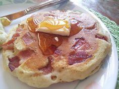 09 8 Bacon Pancakes 1024x768 10 Unusually Delicious Bacon Dishes