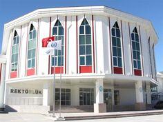 Kırıkkale Üniversitesi, Özyeğin Üniversitesi ve Bitlis Eren Üniversitesi akademik kadro ilanı yayınladı. Toplam 14 Akademisyen alınacak.