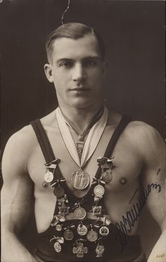 Pommel Horses, Tennis, and the Beautiful (Vintage) Jock Antique Photos, Vintage Pictures, Vintage Photographs, Old Pictures, Vintage Images, Old Photos, Mens Photos, Mode Vintage, Vintage Men