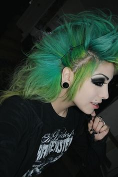 emo hairstyle_24