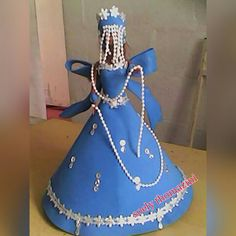 Iemonjá Cake, Desserts, Food, Feltro, Hand Crafts, Tall Clothing, Africans, Pie Cake, Tailgate Desserts