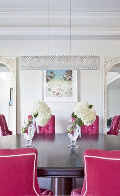 hot pink dining chairs in the dining room. home decor and interior decorating ideas. Pink Dining Rooms, Dining Room Chairs, Dining Tables, Fine Dining, Outdoor Dining, Dining Area, Design Lounge, Sweet Home, Interior Desing
