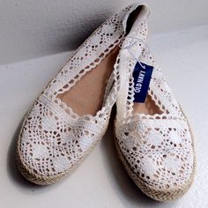 ⬇️ Closet Clear Out⬇️ was$23 HPCrotchet Shoes Color is off white. Brand new with tag. Size is 8. Old Navy Shoes