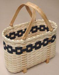 Tote Shopper Pattern by Wagner http://catalog.countryseat.com/toteshopperbasketonrectanglebasepattern-bywagner.aspx