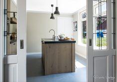 Eiken fineer keuken landelijk en toch modern.