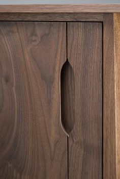 Black Walnut Handle by Eben Blaney Furniture (via - Tamara Fawahl Pintrest)