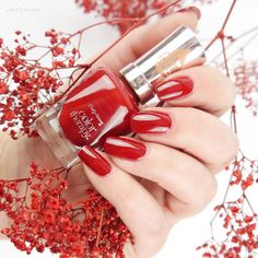 swatch Sally Hansen • Red-y to Glow • color therapy