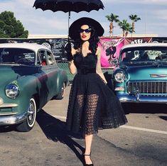 Retro Fashion All black sheer full rockabilly dress with an amazing umbrella and cateye sunglasses Dark Fashion, Gothic Fashion, Retro Fashion, Vintage Fashion, Latex Fashion, Lolita Fashion, High Fashion, Rockabilly Fashion, Rockabilly Style
