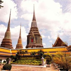 Bangkok Thailand - Travel Mag Yellow Temple Photo by @sofiakou9  #travel #instatravel #traveling #love #nature #beautiful #newyear #trip #fashion #instalike #instagood #vsco #mountains #city #art #wanderlust #tourist #igtravel #tourism #thailand #bangkok #selfie #instago #travelgram #instagram #happynewyear #adventure #vacation #igers #asia by mag.travel