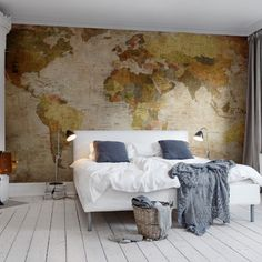 Rebel Walls foto behang interiors wallpaper behang woonkamer behang slaapkamer #trendy #interieurtrends world-map-