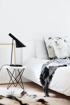 Cozy Nordic bedroom from Nordic Leaves. Mini O table from Ox Denmarq
