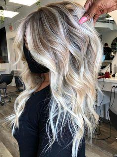 Platinum Blonde Balayage, Hair Color Balayage, Blonde Waves, Blonde Tips, Blonde Balayage Highlights, Blonde Streaks, Bayalage, Blonde To Balayage, Blonde Hair With Roots