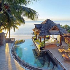 Royal Palm Hotel, Mauritius ⠀ Photography by beautiful.travelpix
