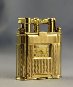 Fabulous 1930s Royal Gift Solid 18 Carat Gold Dunhill Unique B Clock Lighter