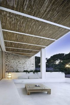 outdoor - straw ceiling