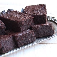 The fudgiest, most chocolatey Keto brownies ever. This simple low carb and sugar… The fudgiest, most chocolatey Keto brownies ever. This simple low carb and sugar free recipe makes perfect brownies time after time. Sugar Free Recipes, Spicy Recipes, Baby Food Recipes, Mexican Food Recipes, Baking Recipes, Dessert Recipes, Dessert Healthy, Healthy Food, Brownie Recipes