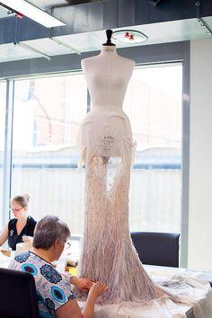 Reportage dans les ateliers du luxe avec Alexandra Golovanoff | Le Figaro Madame