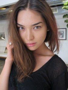 Hana Mayeda Hairstyle, Makeup, Dresses, Shoes and Perfume - http://www.celebhairdo.com/hana-mayeda-hairstyle-makeup-dresses-shoes-and-perfume/