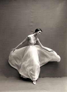 Carmen Dell'Orefice by Richard Avedon, 1957.
