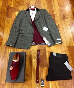 Now that is a dapper Christmas outfit!!
