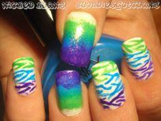 Cool zebra nails!!!
