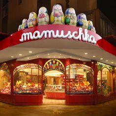 """Mamuschka""  ~ Venta de bombones y chocolates en Bariloche, Argentina.   ~lbk~"
