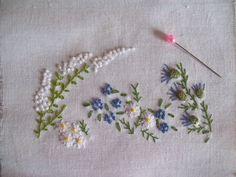 PARTERRE DE FLEURS en broderie traditionnelle. Dainty floral