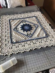 Transcendent Crochet a Solid Granny Square Ideas. Inconceivable Crochet a Solid Granny Square Ideas. Crochet Pattern Free, Crochet Mandala Pattern, Crochet Motifs, Crochet Blocks, Granny Square Crochet Pattern, Afghan Crochet Patterns, Crochet Squares, Crochet Granny, Crochet Doilies