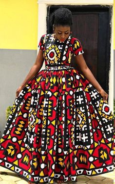 Maxi dress in wax with a slit like a ball gown, you will be a real princess African Wedding Dress, Latest African Fashion Dresses, African Dresses For Women, African Print Dresses, African Print Fashion, African Attire, Best African Dress Designs, Ankara Maxi Dress, Long Ankara Dresses
