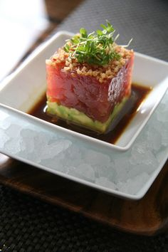 Healthy Gourmet Dinners Fitness recipe for Blue Fin Tuna Tartare with Avocado and Soy Dressing. Healthy and impressive!Fitness recipe for Blue Fin Tuna Tartare with Avocado and Soy Dressing. Healthy and impressive! Quick Recipes, Fish Recipes, Seafood Recipes, Cooking Recipes, Gourmet Dinner Recipes, Gourmet Meals, Fresh Tuna Recipes, Gourmet Appetizers, Think Food