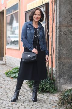 Lady of Style: Midi Skirt and Casual Denim Jacket