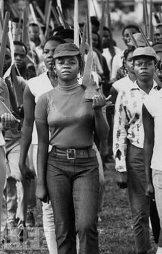 dynamicafrica:    Biafran volunteers, men and women, drilling and taking basic infantry training.  Photo: Priya Ramrakha/Time & Life Pictures/Getty Images  Jul 01, 1967