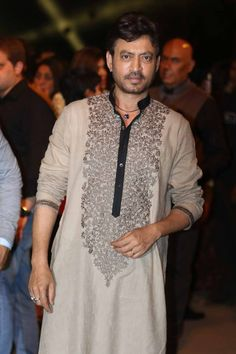 Irrfan Khan was wearing a beige Sabyasachi kurta for the show