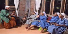 Keren! Ustaz Ini Bercengkrama Akrab Bersama Empat Biarawati - Indopress, Bandung – Sebuah gambar empat biarawati yang bercengkrama sengan dua sosok ustaz dan tampak mereka sedang tertawa bersama diunggah oleh Walikota Bandung Ridwan Kamil di akun Instagramnya @ridwankamil. Dalam …