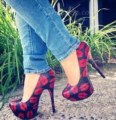 Sexy Black Coppy Leather Platform High Heel Shoes with Red Lip Print