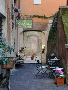 This is also one of the favourite gelato places to try, located in the cobbled backstreets near Piazza Navona. Gelateria del Teatro, Rome