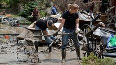 2013 Alberta flood cleanup | alberta-floods-macintosh-stewart-dunn-062513_lead_media_image_1.jpg